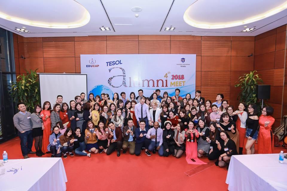 Tập thể giáo viên và cựu học viên TESOL AIT tụ họp tại Hà Nội